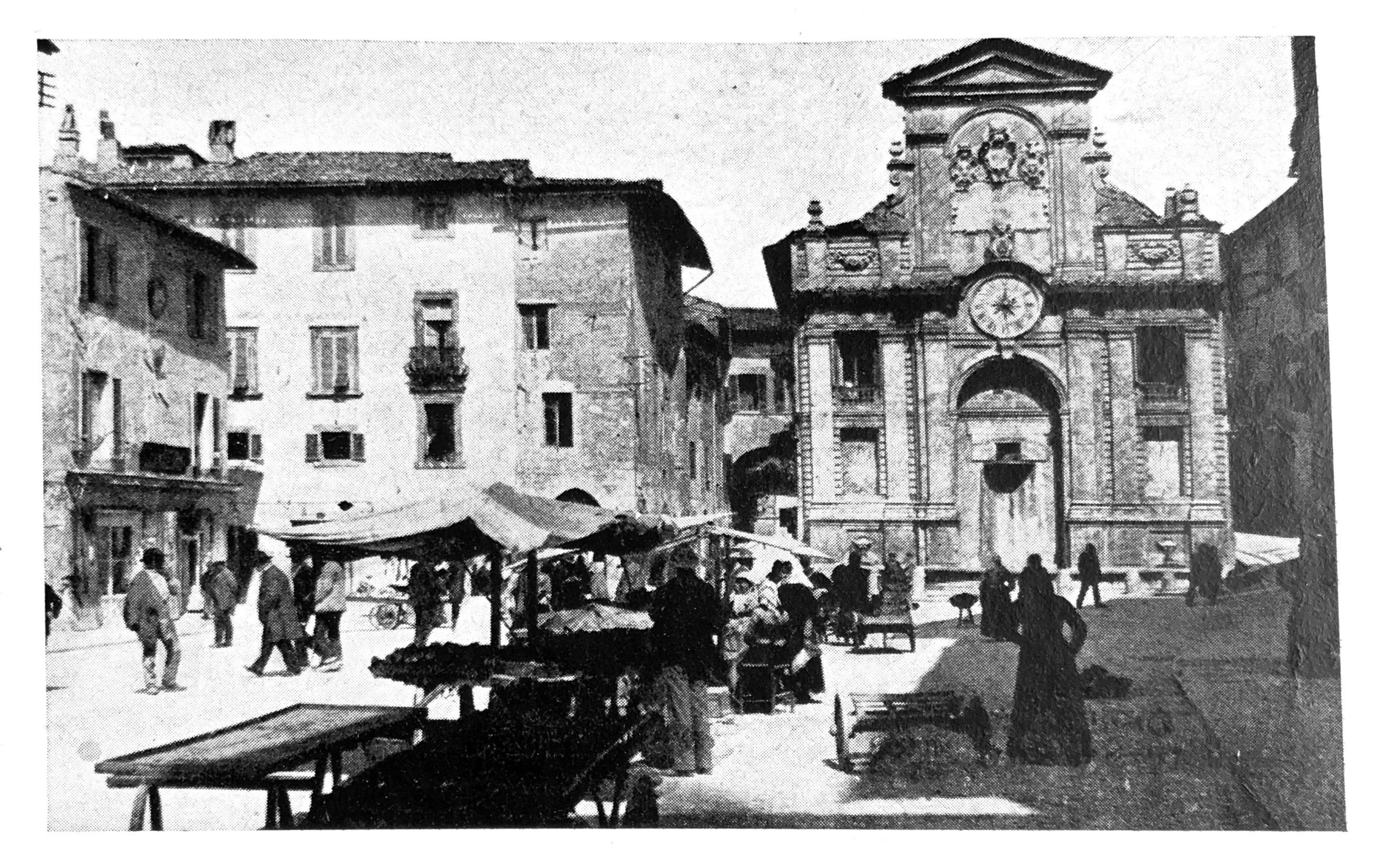 L'Italia monumentale   Piazza del Mercato