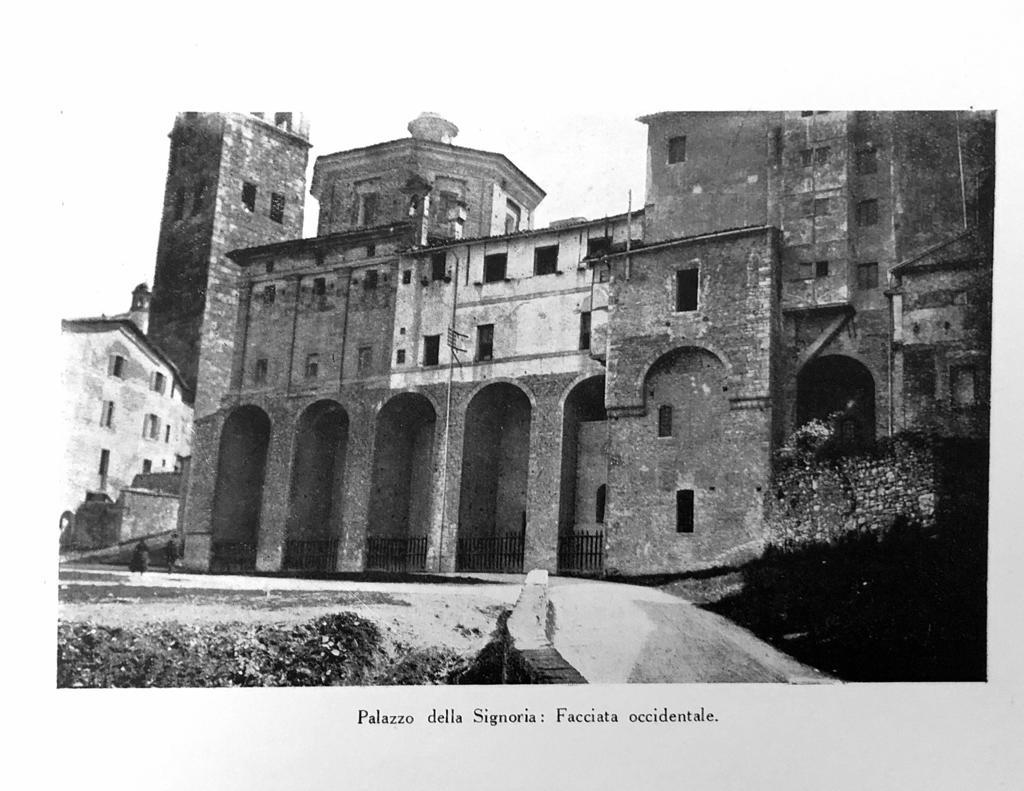 Palazzo della Signoria | Facciata occidentale
