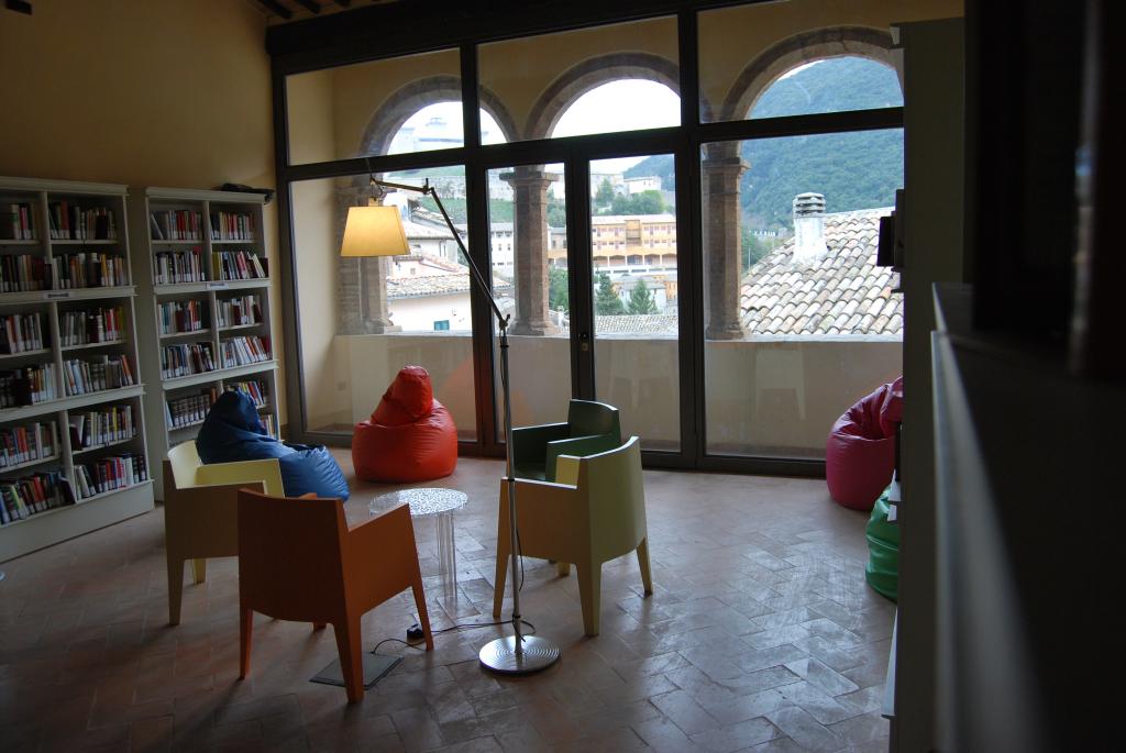 Palazzo Mauri - Sala lettura II piano (dopo il restauro)