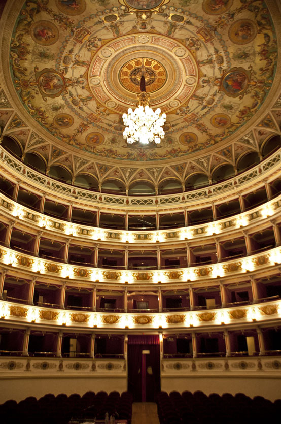 teatro nuovo ok (1)