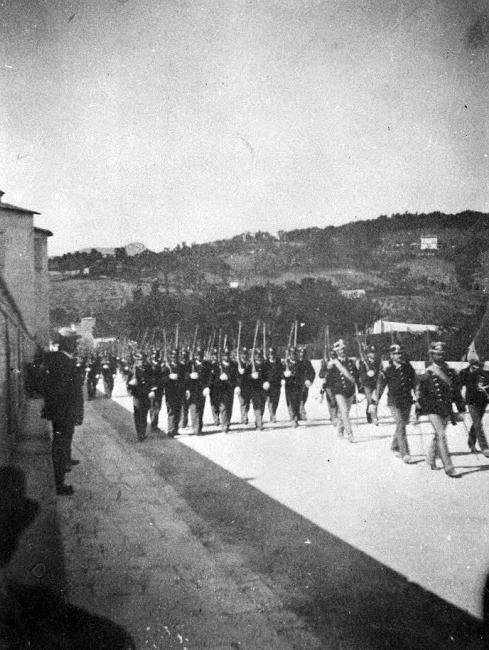 5 settembre 1892 | Militari in parata in viale Matteotti