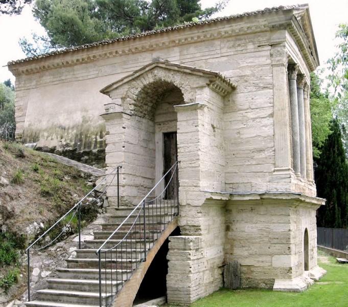 <!--:it-->Giornate europee dell'archeologia | Visita guidata: Un monumento che affascina da secoli - il Tempietto di Campello sul Clitunno<!--:--> @ Tempietto sul Clitunno, Campello sul Clitunno