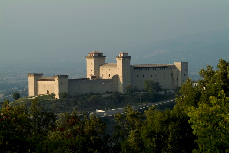 <!--:it-->Visita guidata ai percorsi difensivi della fortezza<!--:--> @ Rocca Albornoz